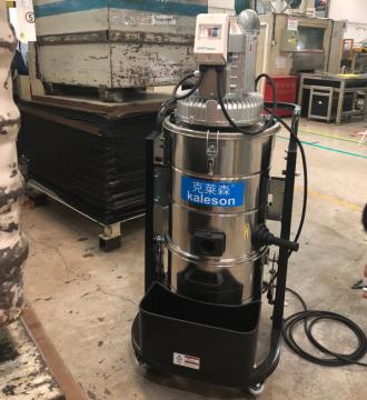 工厂流水线焊接工业吸尘器使用案例